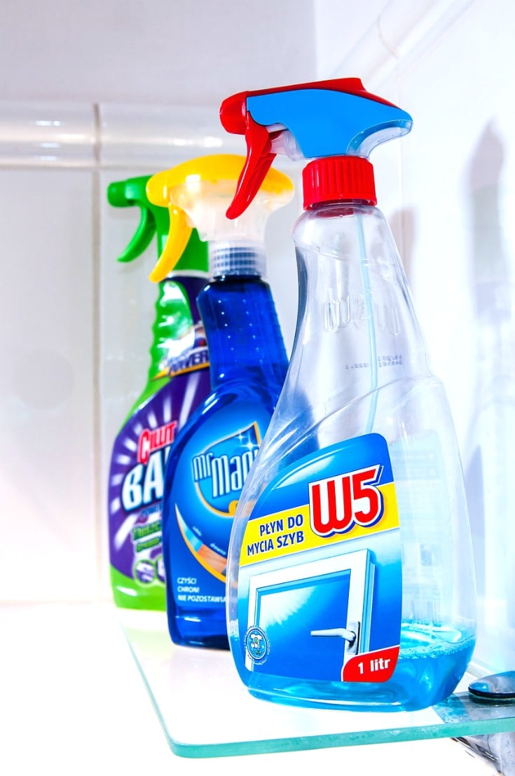 Choosing safe cleaning products doesn't need to be difficult.